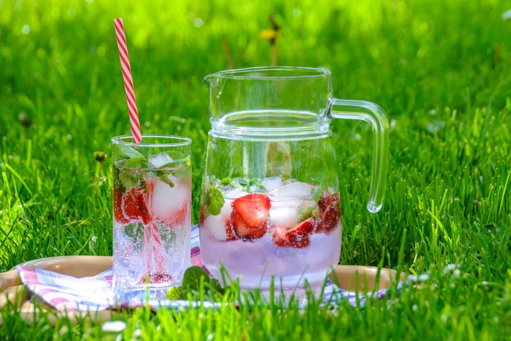Agua gasificada con fresas