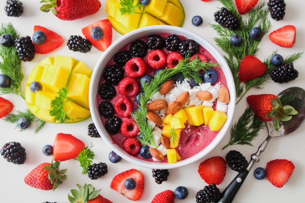fruta fresca para eliminar la grasa del pelo