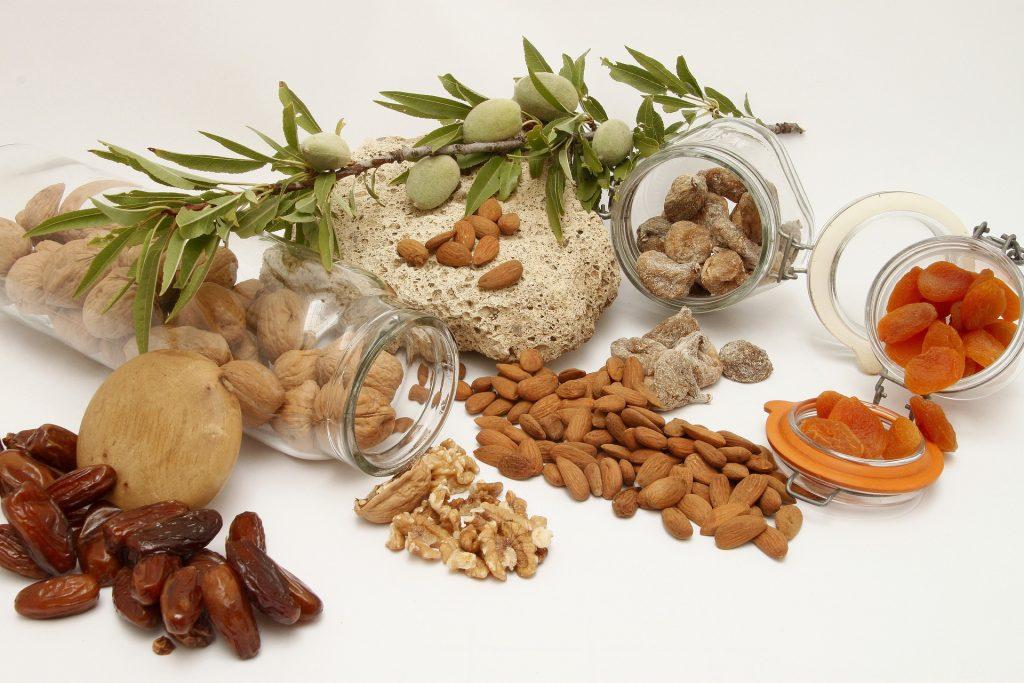 Los frutos secos son grandes alimentos para el cabello por su alto contenido en biotina