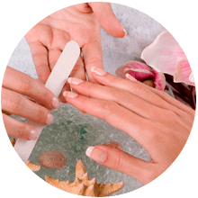 Limar y esmaltar manos
